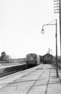 WOODBRIDGE STATION LATE 60'S